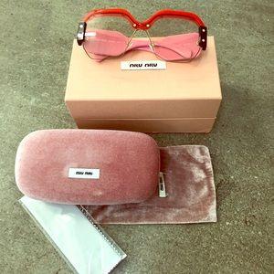 MIU MIU Sorbet Eyewear Pink Lens SMU09s